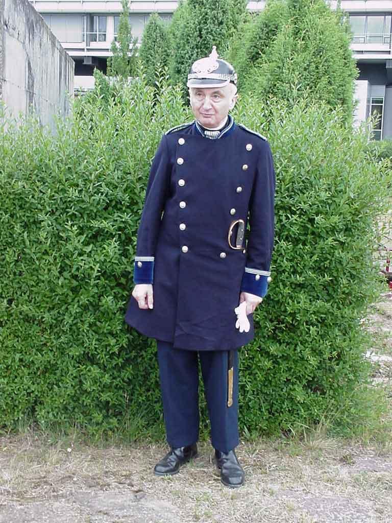 uniform  polizei historische schutzleute berlin ev